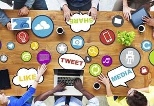 Social_networking_office.jpg