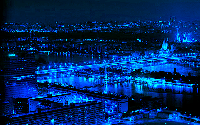 the-blue-city-110886_640.fw.png