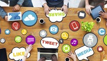 Social_networking_office