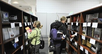 ASTD-2012-Bookstore-Browsing-20130418.jpg